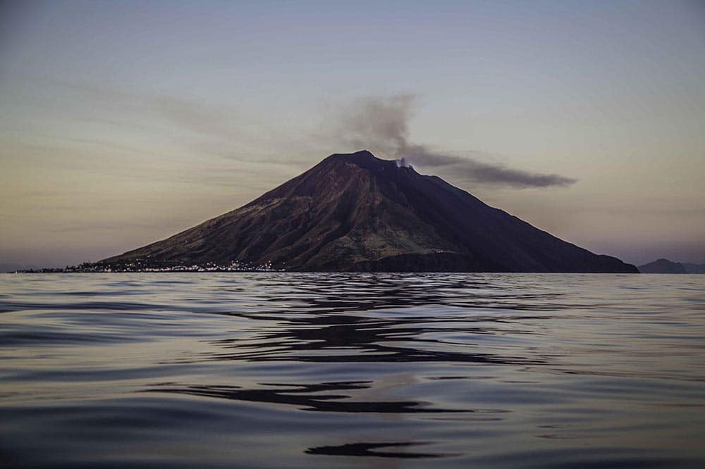 Hiking up the volcanos of Sicily